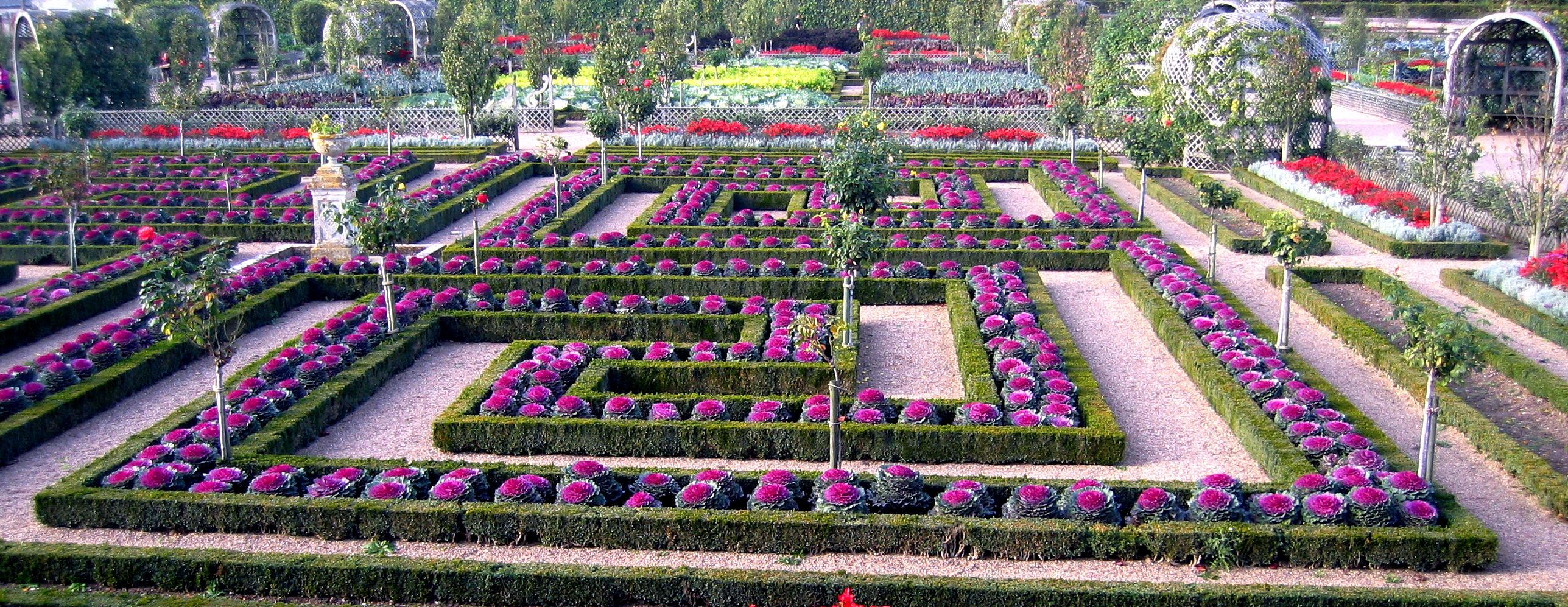 Villandry the potting shed for Ornamental trees for flower beds